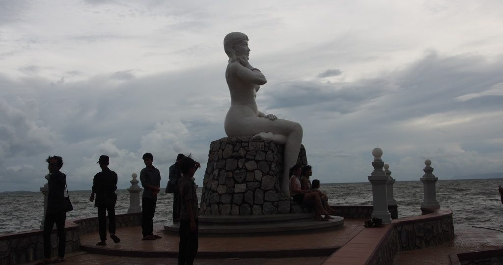 Lady Kep overlooking the beach