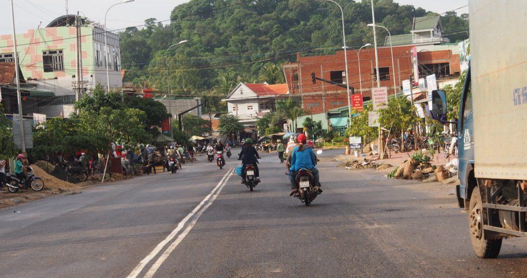 Riding into Lak Lake town